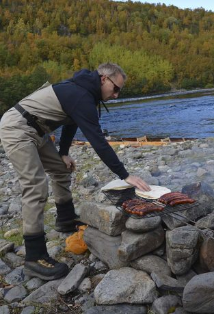 barbeque-river-alta-norway