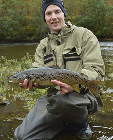 browntrout-on-streamer