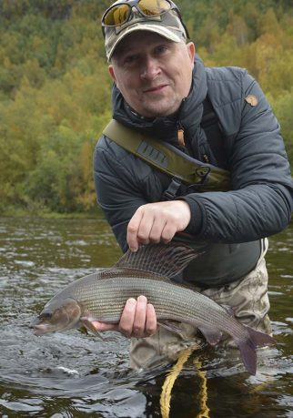 flyfishing-river-alta-norway-go-fishing