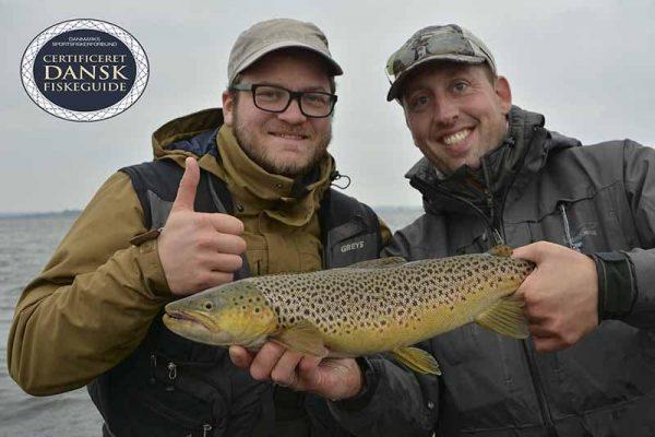 ny-guidet-fisketur-med-fiskeguide
