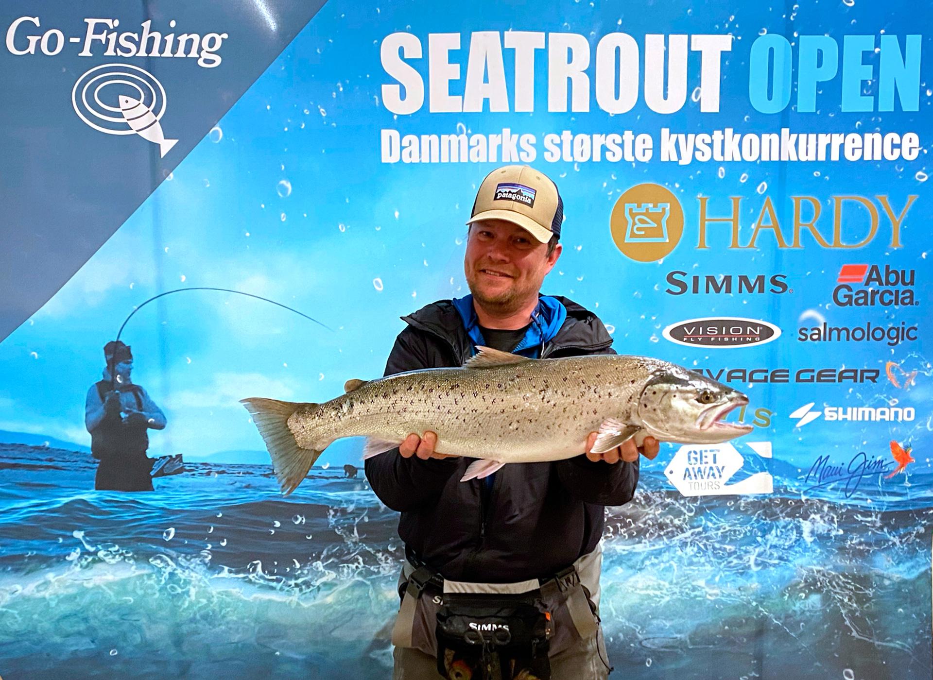 Seatrout Open vinder Jacob Fog med en super flot havørred